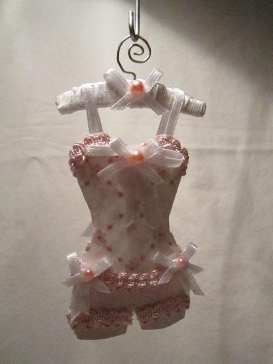 Gaderob och mina klänningar 006