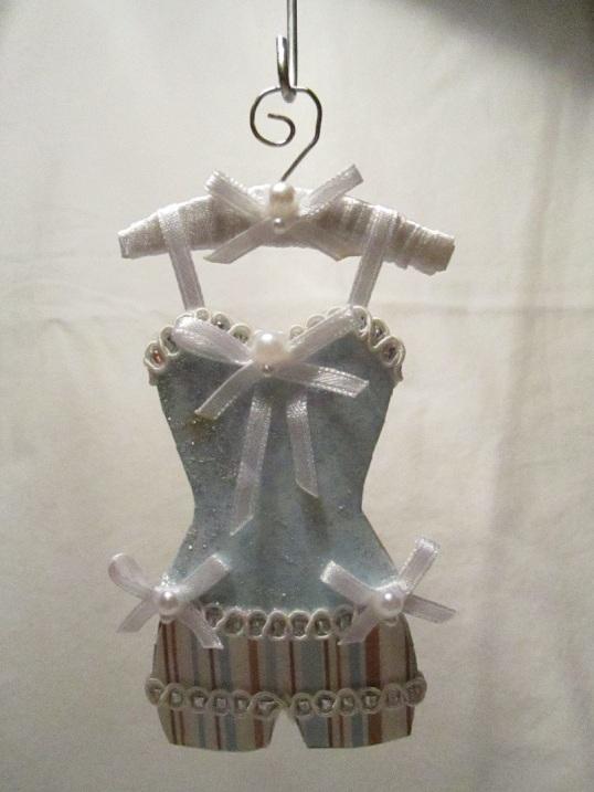 Gaderob och mina klänningar 009