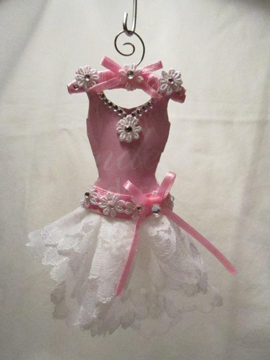 Gaderob och mina klänningar 011