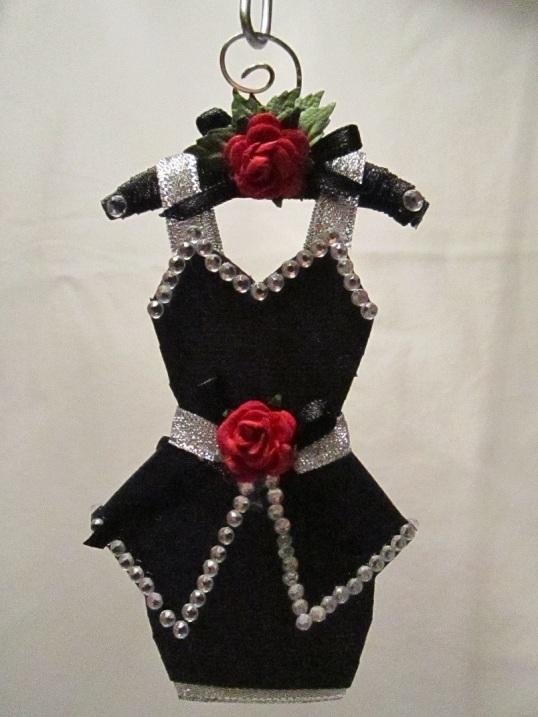 Gaderob och mina klänningar 013