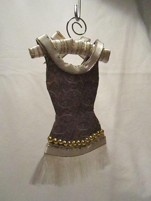 Gaderob och mina klänningar 016