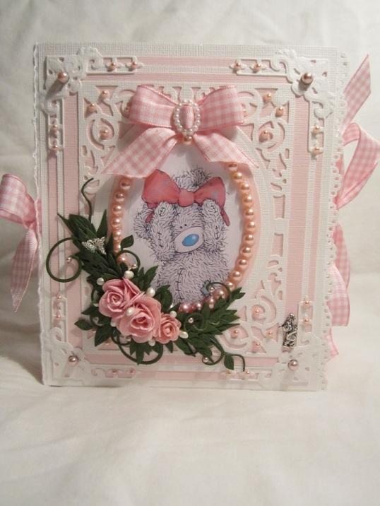 Rosa Babybok Box och Åsa och Magnus sin ram 016
