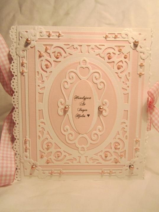 Rosa Babybok Box och Åsa och Magnus sin ram 020