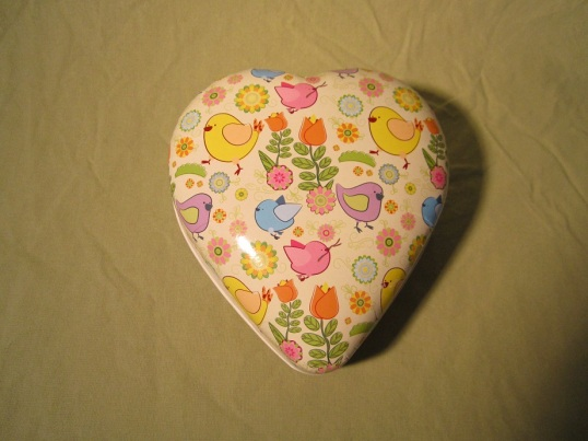 Nya Hjärtan Påsk Ägg fyra stk och ett Ovalt Lilla 001